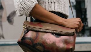15 Things to Always Keep in Your Bag During Auditions